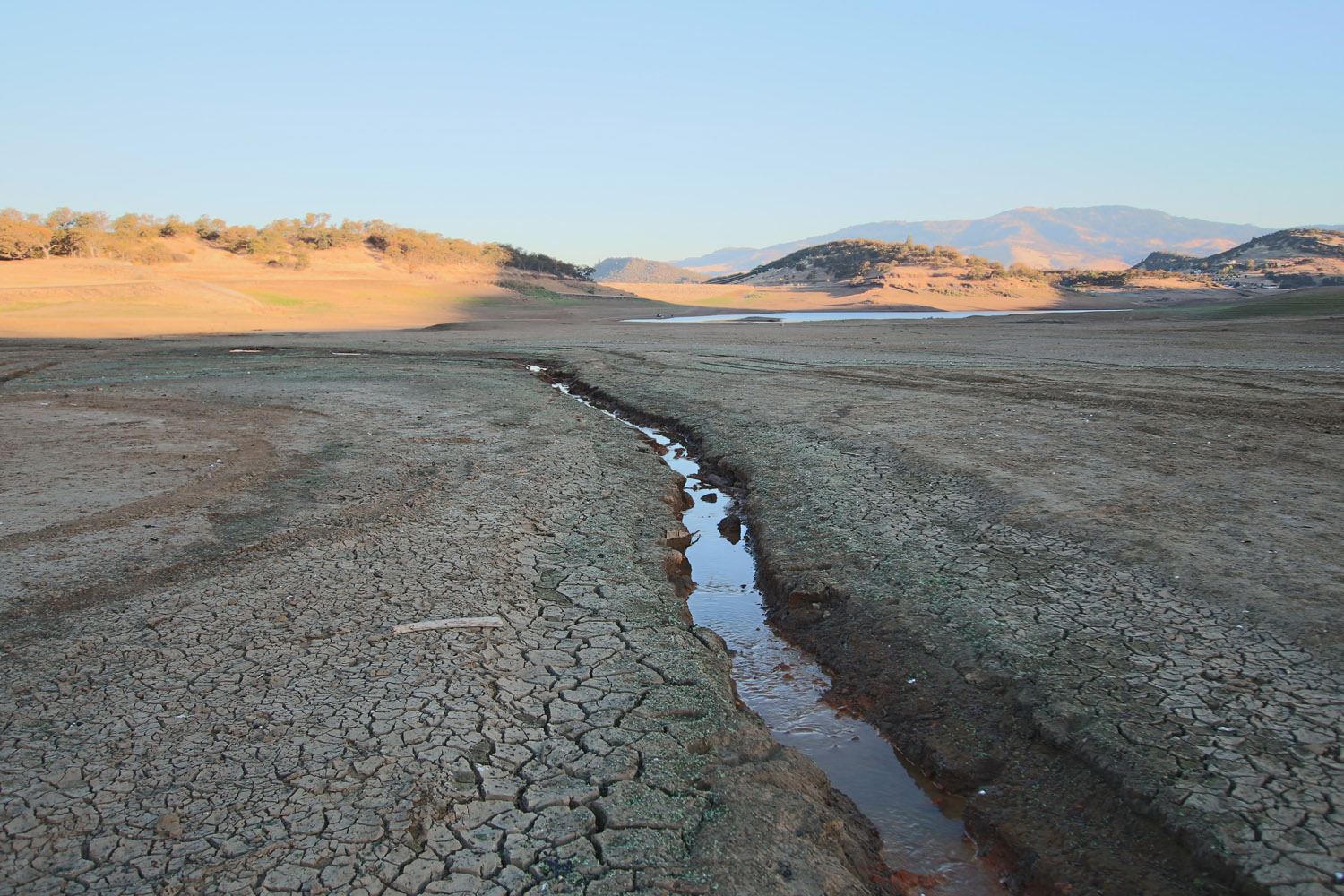 Emigrant Lake Ashland Oregon drought leaves only 11% of normal water capacity