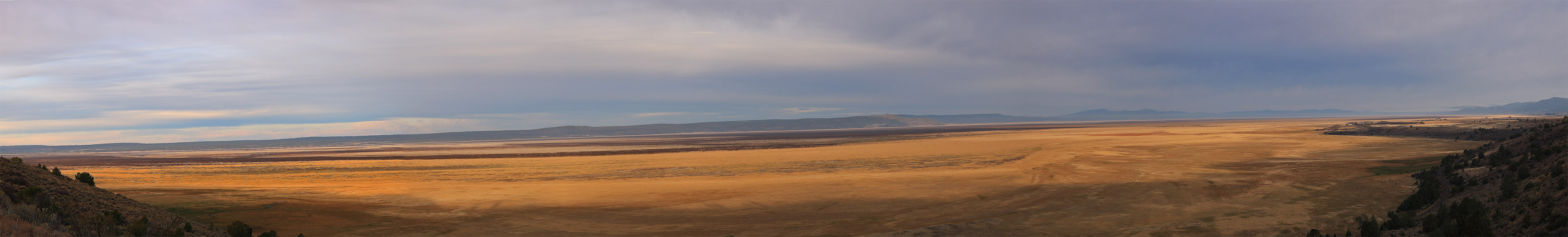 Goose Lake Oregon panorama with no water from 2015 drought